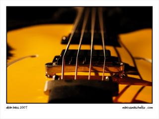 Dean Bass Guitar up close photographed by Marcus Maschwitz