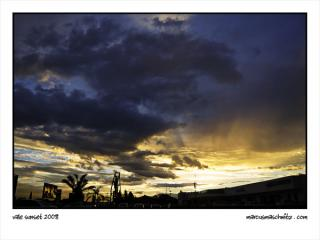 Cloudy sunset over the vale photographed by Marcus Maschwitz