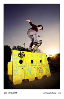 Dean Marais front blunt on a barrier at skateworld in edenvale photographed by marcus maschwitz