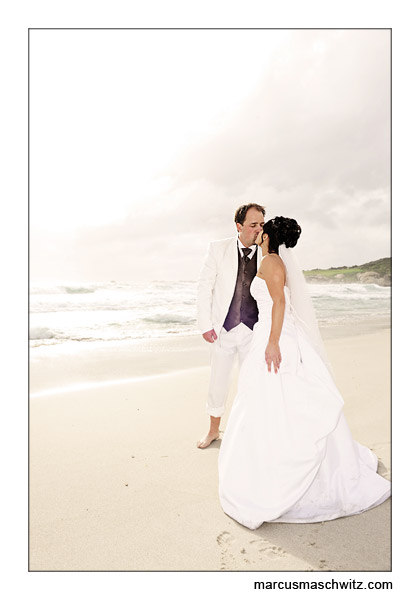 wedding on the beach photographed by marcus maschwitz
