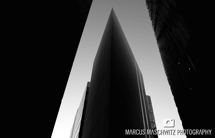london-city-in-black-and-white-05