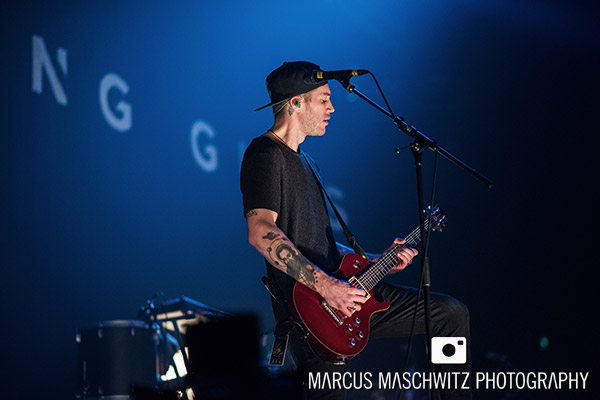 young-guns-wembley-arena-05