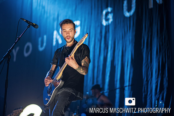 young-guns-wembley-arena-08
