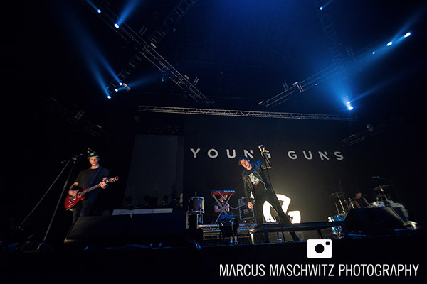 young-guns-wembley-arena-09