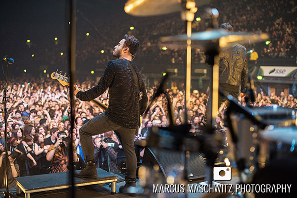 young-guns-wembley-arena-12