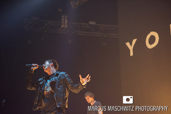 young-guns-wembley-arena-15