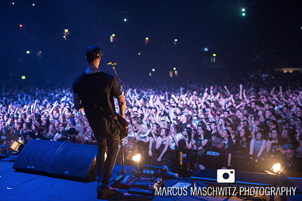 young-guns-wembley-arena-21