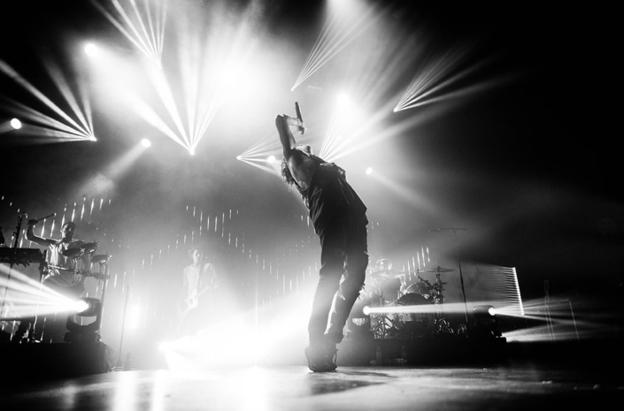 Oliver Sykes of Bring Me The Horizon photographed live on stage by Marcus Maschwitz