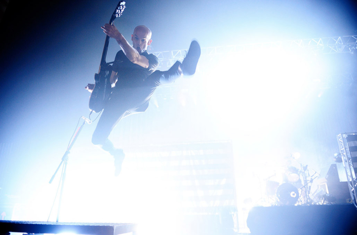 Zach Blair of Rise Against photographed live by Marcus Maschwitz