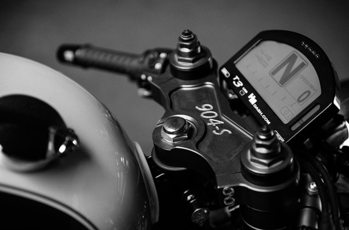 Handle bar detail on the Ace 904s Thruxton Special photographed by Marcus Maschwitz