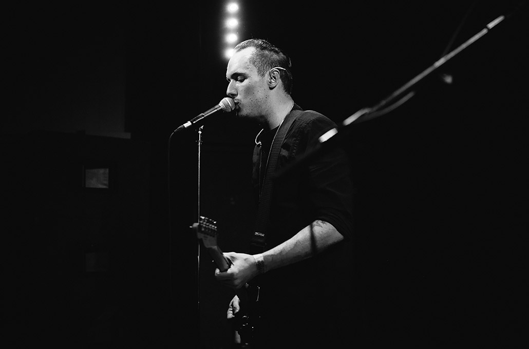 Stage side live photo of Tyron Layley photographed by Marcus Maschwitz
