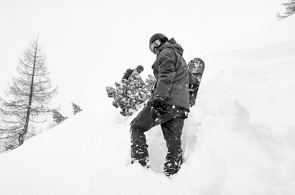 Tyron Layley and Jason Moriarty snow hiking in Zauchensee photographed by Marcus Maschwitz