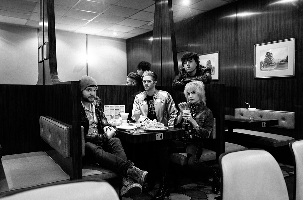 The Wild Things press photo in a diner photographed by Marcus Maschwitz