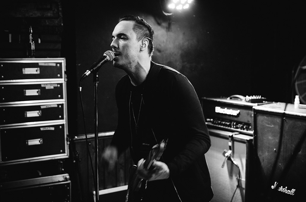 Tyron Layley on stage photographed by Marcus Maschwitz