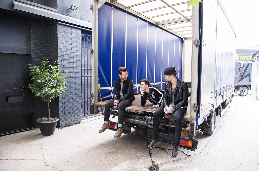 Young Guns on the back of a truck photographed by Marcus Maschwitz