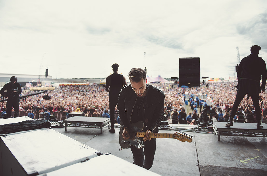 Fraser Taylor of Young Guns on stage at Reading Festival photographed by Marcus Maschwitz