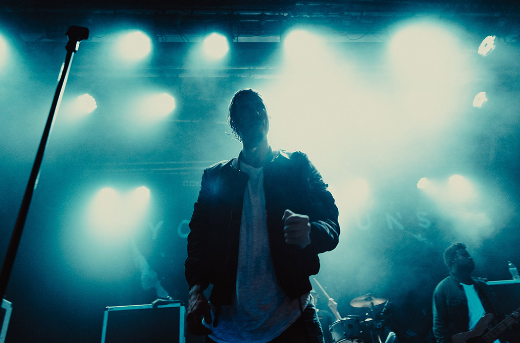 Gustav Wood of Young Guns on stage photographed by Marcus Maschwitz
