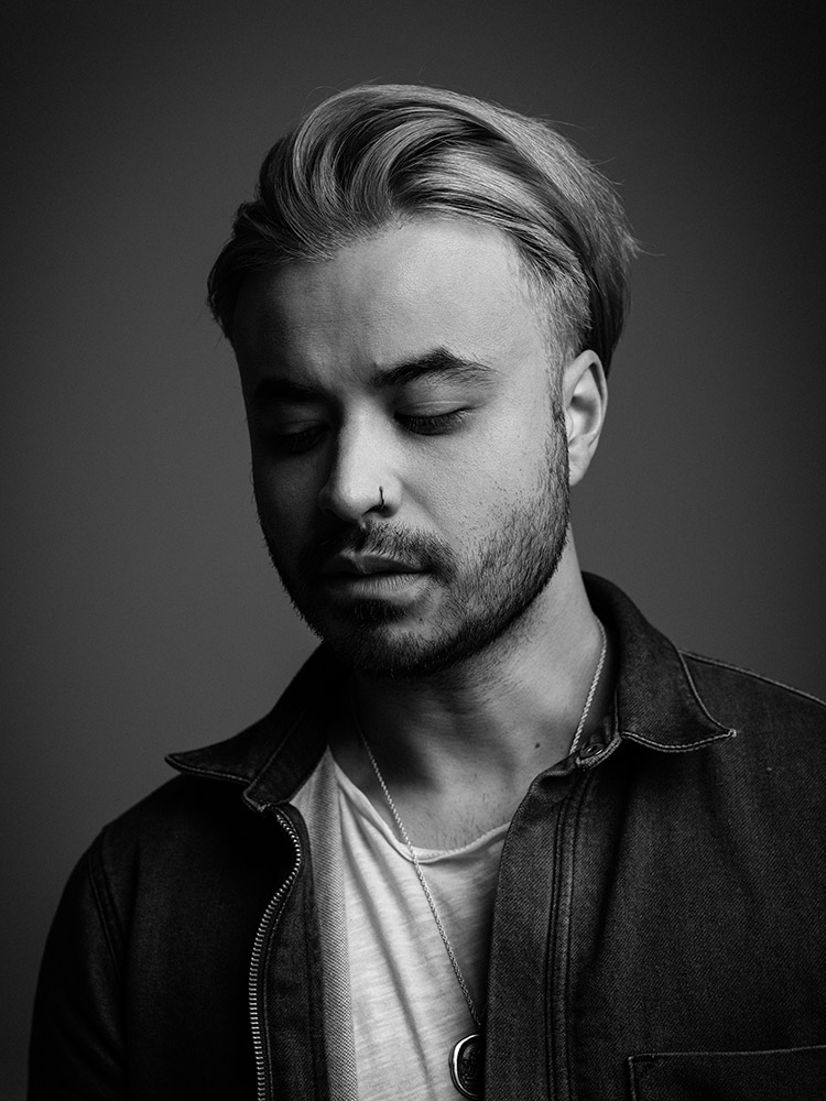 B&W portrait of Simon Mitchell of Young Guns photographed by Marcus Maschwitz